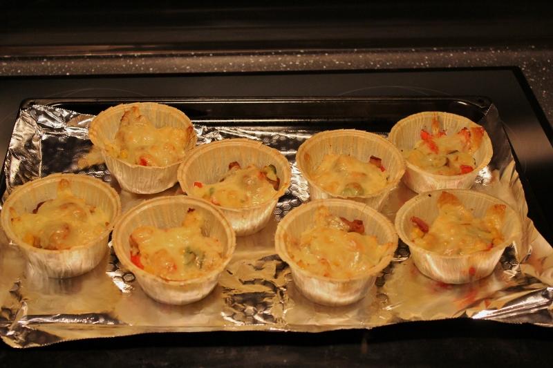 fylt bakt potet i muffinsform