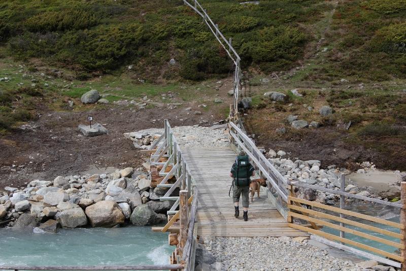 bru over Tundra i Tundradalen