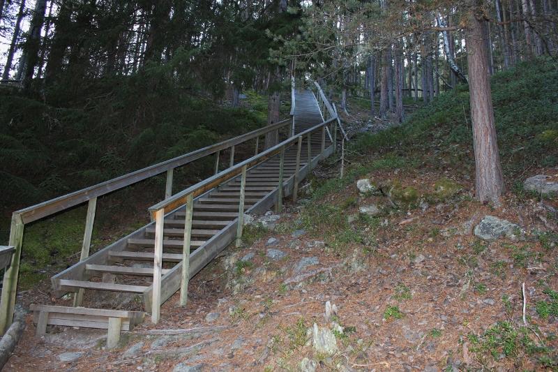 trapp Kvitskriuprestein