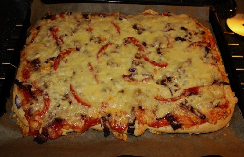 oppskrift hjemmelaget pizza