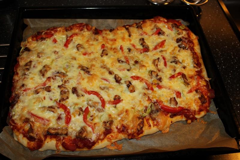 hjemmelaget pizza oppskrift