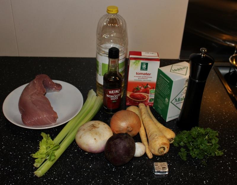 Grønnsaksragu med svinekjøtt